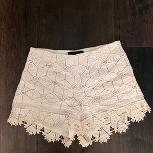 Woven Cream Shorts with Scallop Detailing